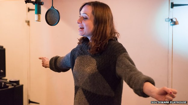Isy Suttie in rehearsals for The A-Z of Mrs P