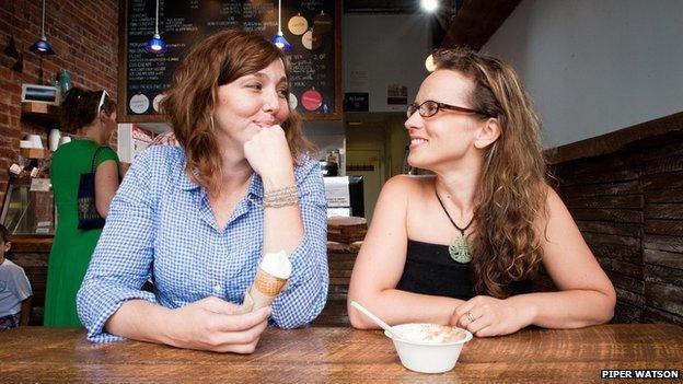 Blue Marble's Jennie Dundas (l) and Alexis Miesen (r)