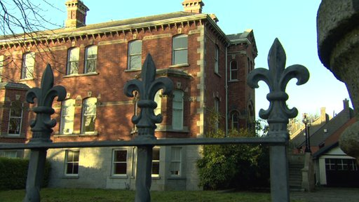 Workmen fixing up McFeely's former mansion on Dublin's Ailesbury Road found 200,000 euro stashed behind a bath panel
