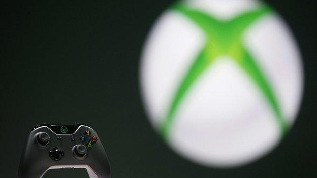 Xbox logo and controller