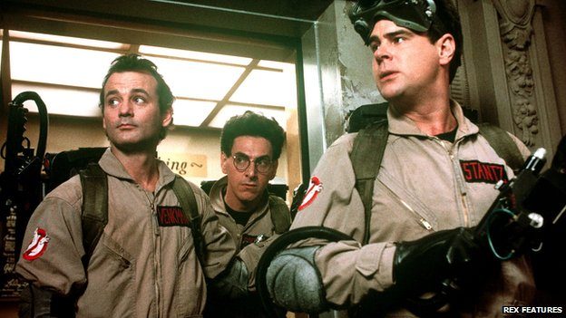 Harold Ramis (centre) in Ghostbusters with Bill Murray (l) and Dan Aykroyd (r)