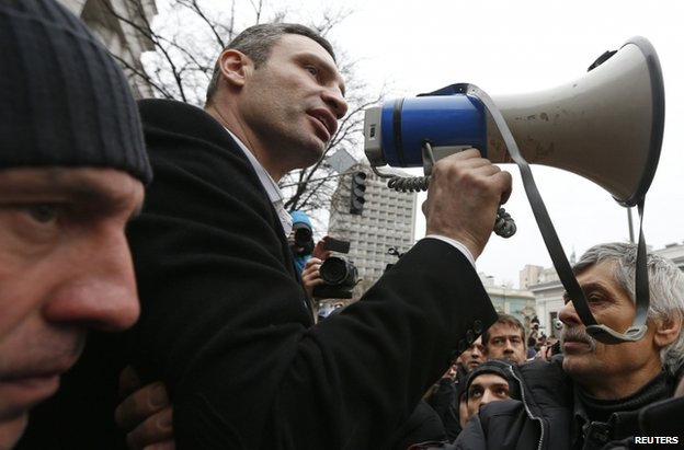 Vitali Klitschko speaks to a crowd in Kiev, 22 February