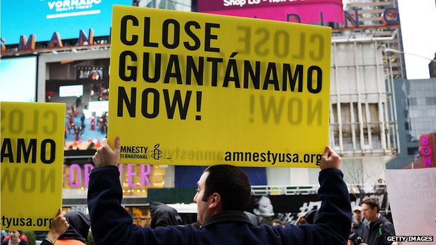 People protesting against Guantanamo