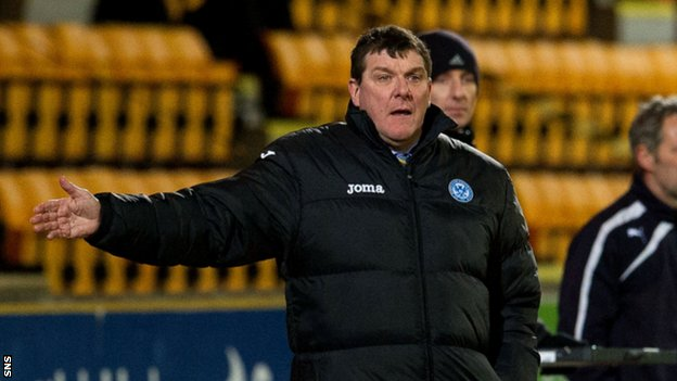 Tommy Wright watches his St Johnstone side defeat Motherwell 2-0