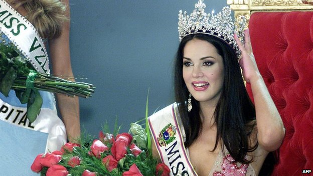Monica Spear (24 September 2009)
