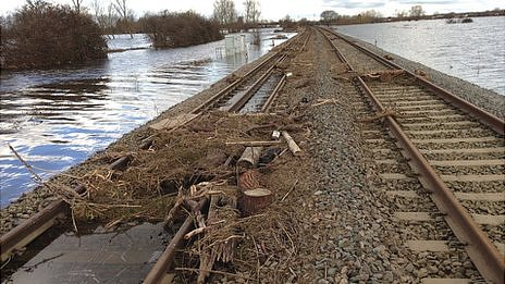 Train track between Taunton and Bridgwater