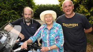 L-R: Medwyn Parry, Dame Vera Lynn, Dougie Bancroft