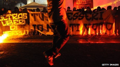 Napoli fans protest in Naples