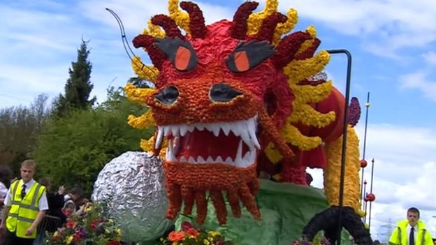 Dragon float at Spalding Flower Parade 2013
