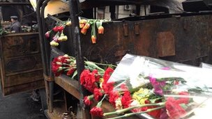 Floral tributes to killed protesters in Kiev