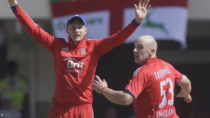 Joe Root and James Tredwell appeal