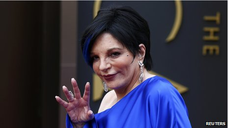 Liza Minnelli arriving at the Oscars