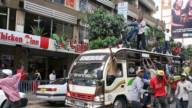 Kenya's Nairobi commuters face chaos amid taxi fees protest