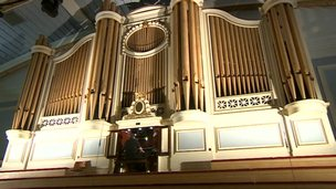 De Montfort Hall organ