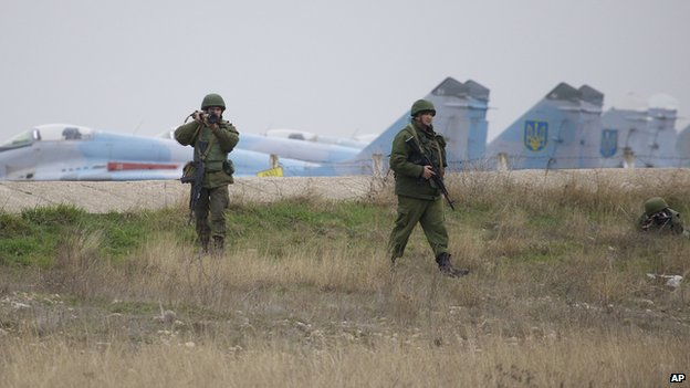 Ukrainian jets and Russian-led soldiers, 4 Mar 14