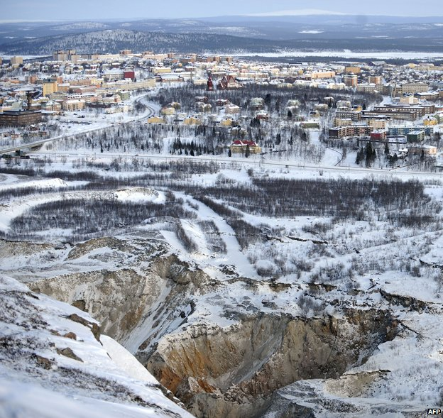Kiruna, cracks in ground at forefront