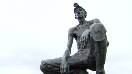Statue of miner at Betteshanger Colliery