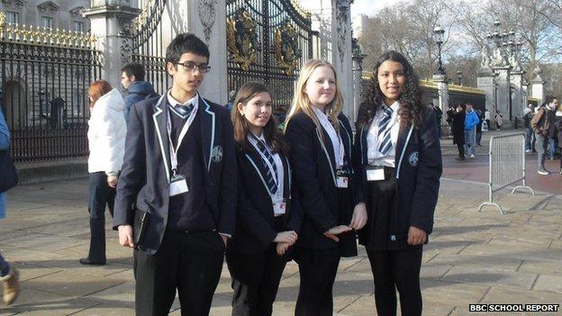 Students outside Buckingham Palace