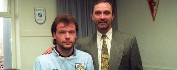 Brian Horton with his new signing Uwe Rosler in March 1994