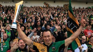 Northampton Saints win the LV= Cup in 2010