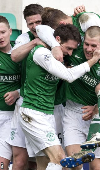 Paul Heffernan is mobbed after giving Hibs the lead