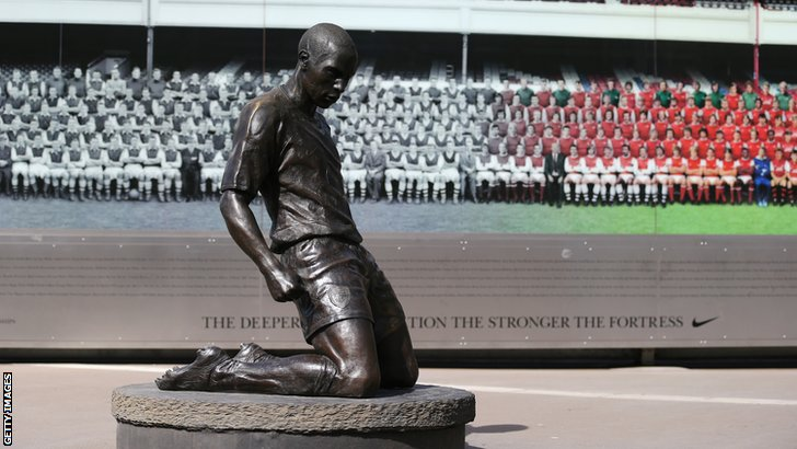 Thierry Henry statue