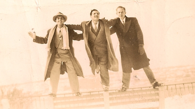 Gaetjens (centre) in New York