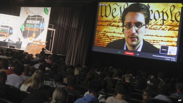 Snowden warns of web's 'dark arts'