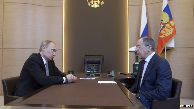 Russian President Vladimir Putin (left) meets Foreign Minister Sergei Lavrov in Sochi on 10 March 2014