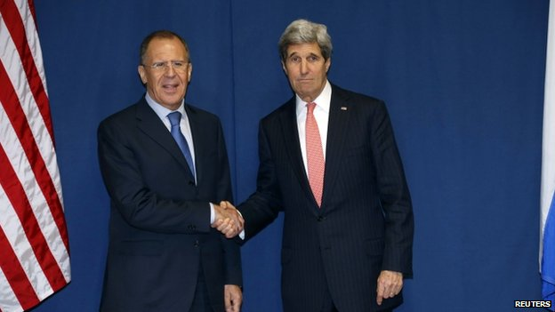 Russian Foreign Minister Sergei Lavrov (left) and US Secretary of State John Kerry in Rome (6 March 2014)