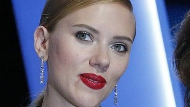 VIDEO: Johansson: 'Not a nudist by nature'...
