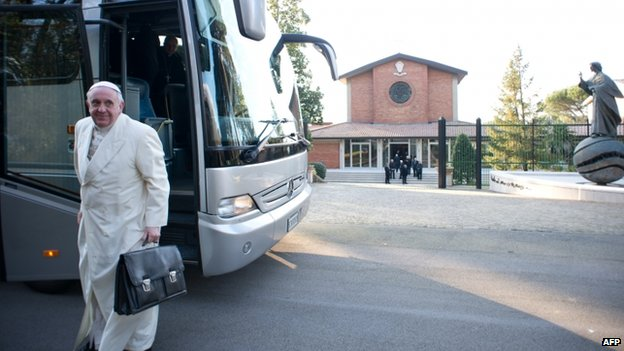 Pope Francis arriving by bus for a retreat in Ariccia near Rome (10 March 2014)