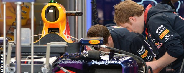 Red Bull work hard to resolve the RB10's problems that plagued it during pre-season