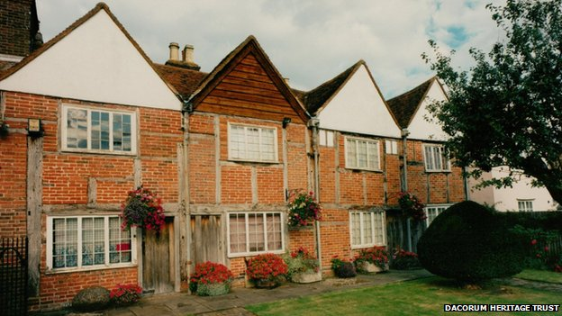 Property For Sale Bucks Beds Herts