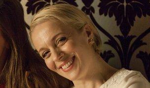 Amanda Abbington smiling