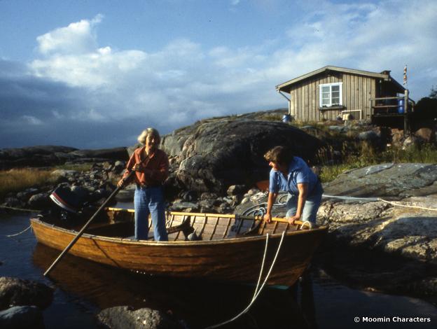 Tove and Tuulikki on boat