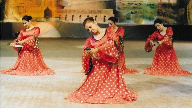 Sabria dancing
