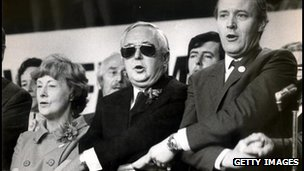 Barbara Castle, Harold Wilson and Tony Benn sing Auld Lang Syne at the conclusion of the 1971 Labour Party Conference