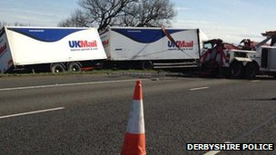 Overturned lorry on M40