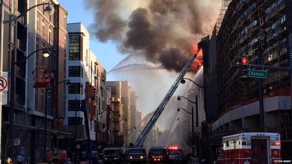 An apartment building fire in Mission Bay, San Francisco. Photo: Peter Kemp
