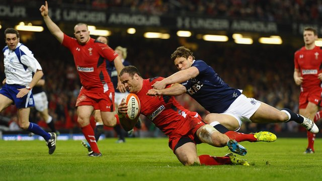 Jamie Roberts scores a try for Wales against Scotland in their 2014 Six Nations match Cardiff