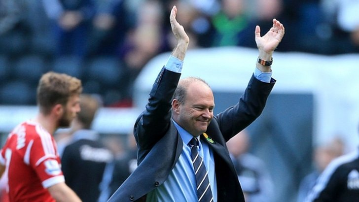 West Brom manager Pepe Mel celebrates his side's win at the final whistle