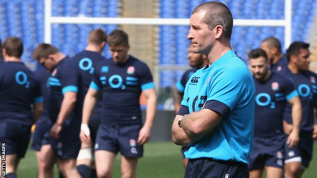 Stuart Lancaster at England training
