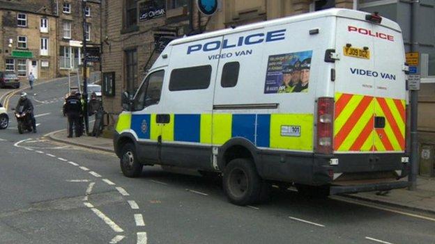 Police van in Victoria Street