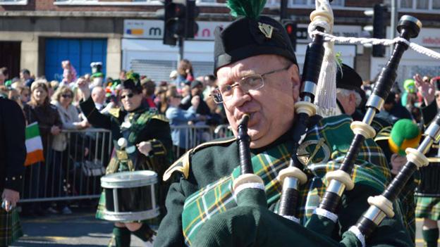 St Patricks Day piper