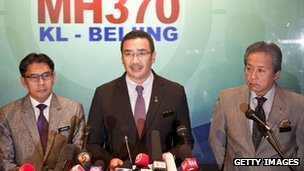 "Malaysia""s Minister of Defence, Acting Transport Minister Hishammuddin Hussein (C) and Malaysia""s Foreign Minister Anifah Aman (R)"