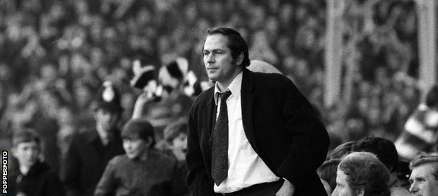 McGuinness takes charge of United for Division One game against Spurs in 1970