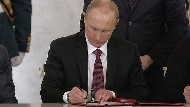 President Vladimir Putin signs agreement