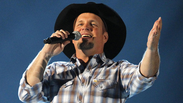 Garth Brooks in concert, 2013