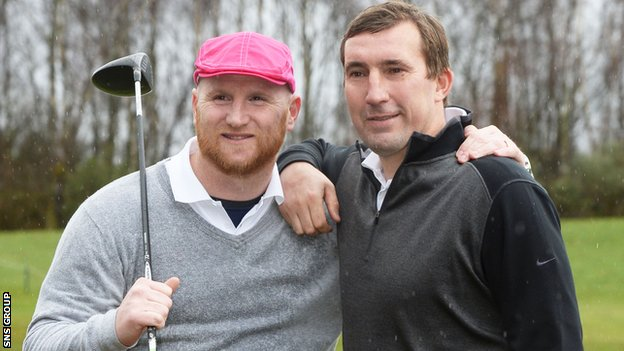 Alan Stubbs (right) poses with former Celtic team-mate John Hartson at a charity golf event